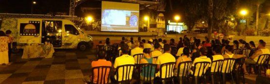 CineSolar: cinema itinerante encanta cidade de João Câmara